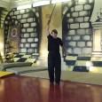 Вращение в один оборот с подъемом меча по спирали, имитирующим эффект ввинчивания острия клинка вверх ( рабочее название – свечка) . Данное упражнение позволяет отрабатывать координацию движения вооруженной руки синхронно...